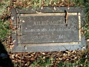 Mills is buried in Glendale, California